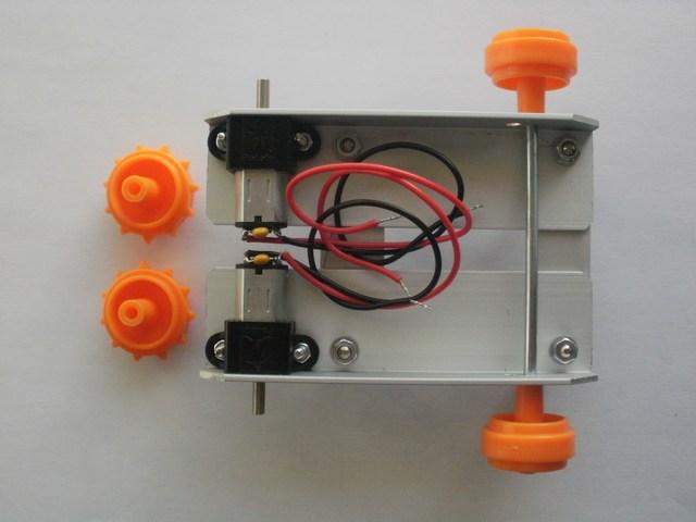 Robot LittleBOT Montaggio 08